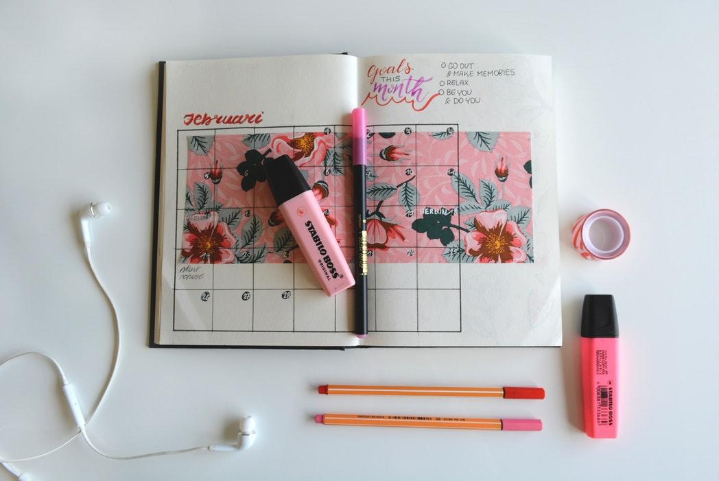 social-media-holiday-calendar